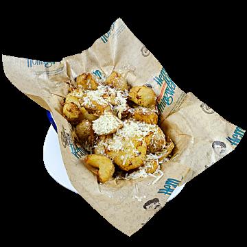 Чупени картофки с летен трюфел,пармезан и билкова поръска